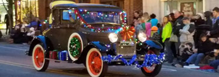 Downtown Holiday Parade December 2nd